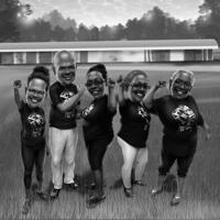 Glückliche Gruppenkarikatur im Schwarz-Weiß-Stil mit benutzerdefiniertem Hintergrund aus Fotos