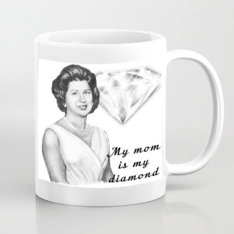 Personifizierte Foto-Tasse: Frauen-Porträt, das am Muttertag zeichnet - example